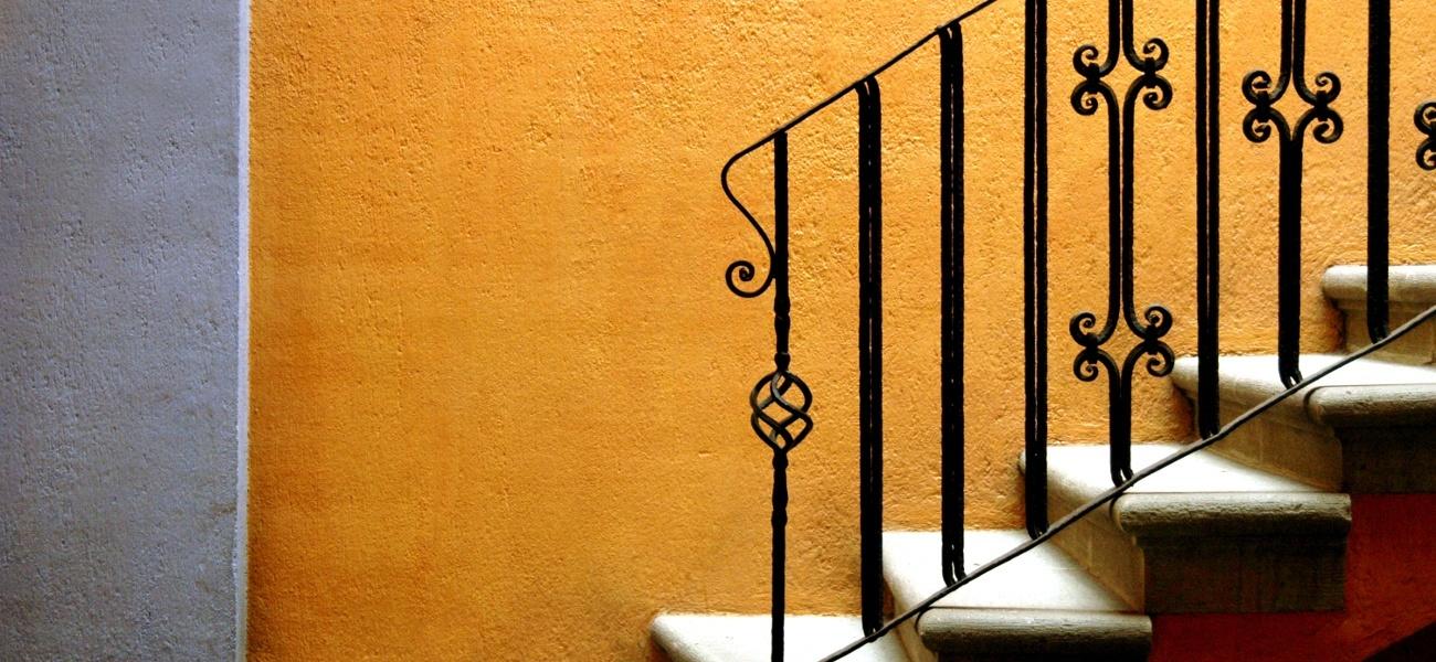 garde corps normes et hauteur r glementation ooreka. Black Bedroom Furniture Sets. Home Design Ideas